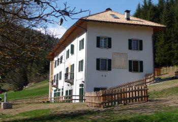 Villa Santi esterno-foto_Mirko Viviani