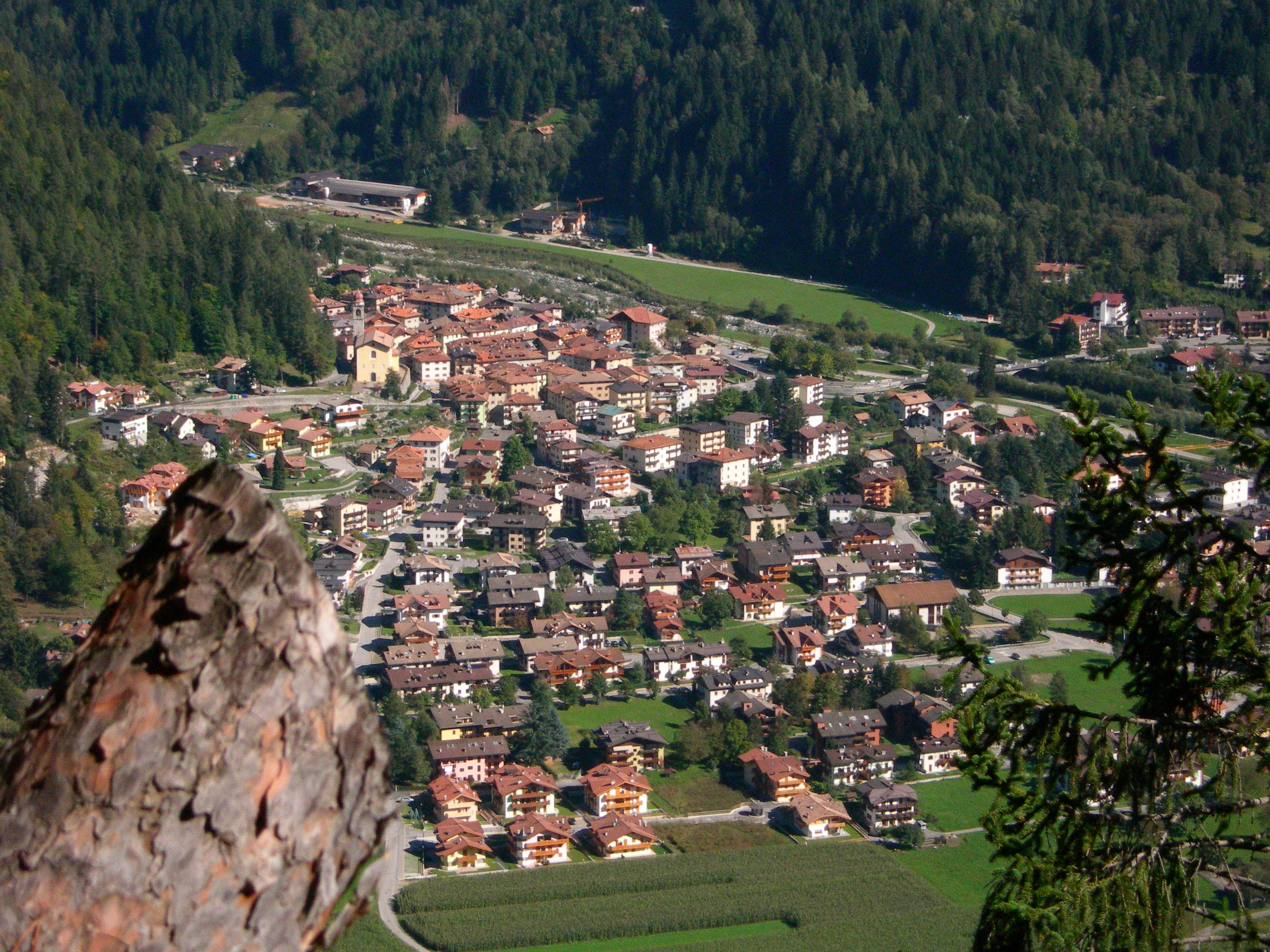 Carisolo Veduta del paese foto Mauro Binelli
