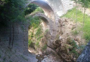 Cavedago Arcate del ponte romano foto ApT Dolomiti Paganella