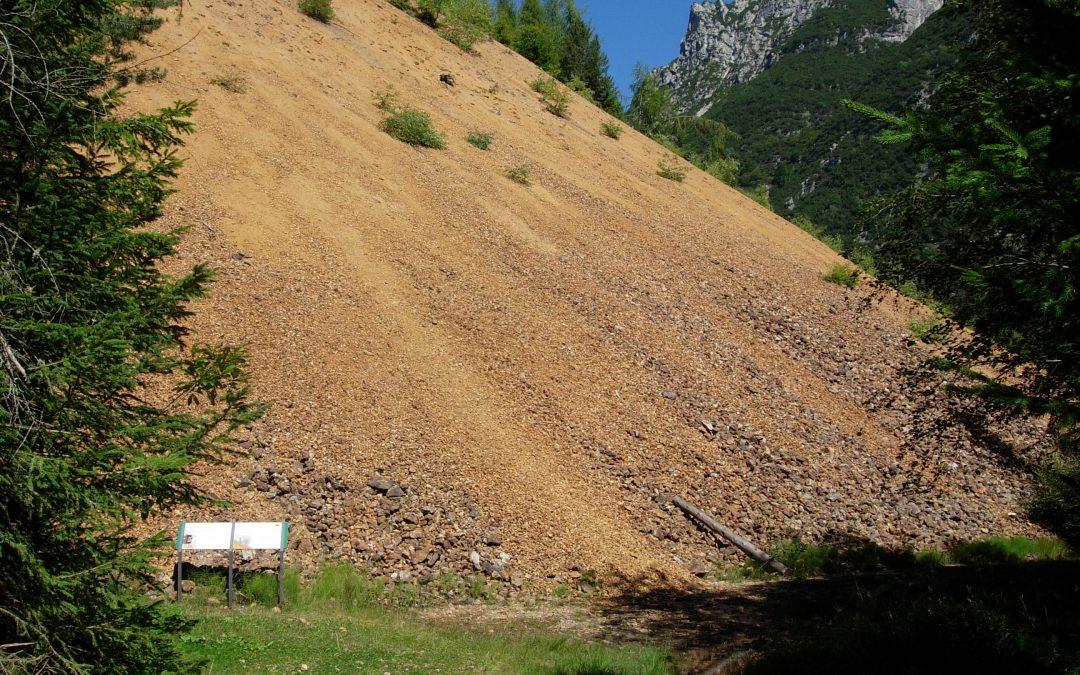 Antiche cave della Val Algone