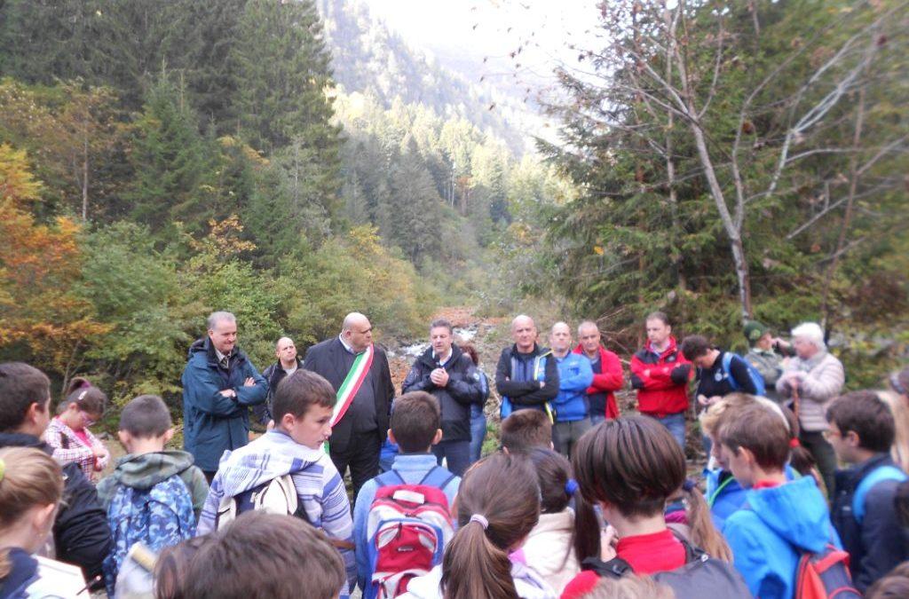 Inaugurato il nuovo sentiero in Val di Borzago