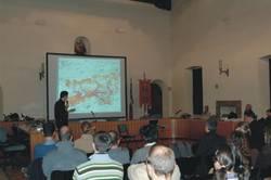 uno dei relatori mentre parla alla platea (F.Zibordi)
