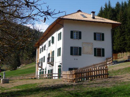 """Villa Santi: un luogo ideale per trascorrere dei soggiorni """"autogestiti"""" all'insegna del contatto con la natura"""