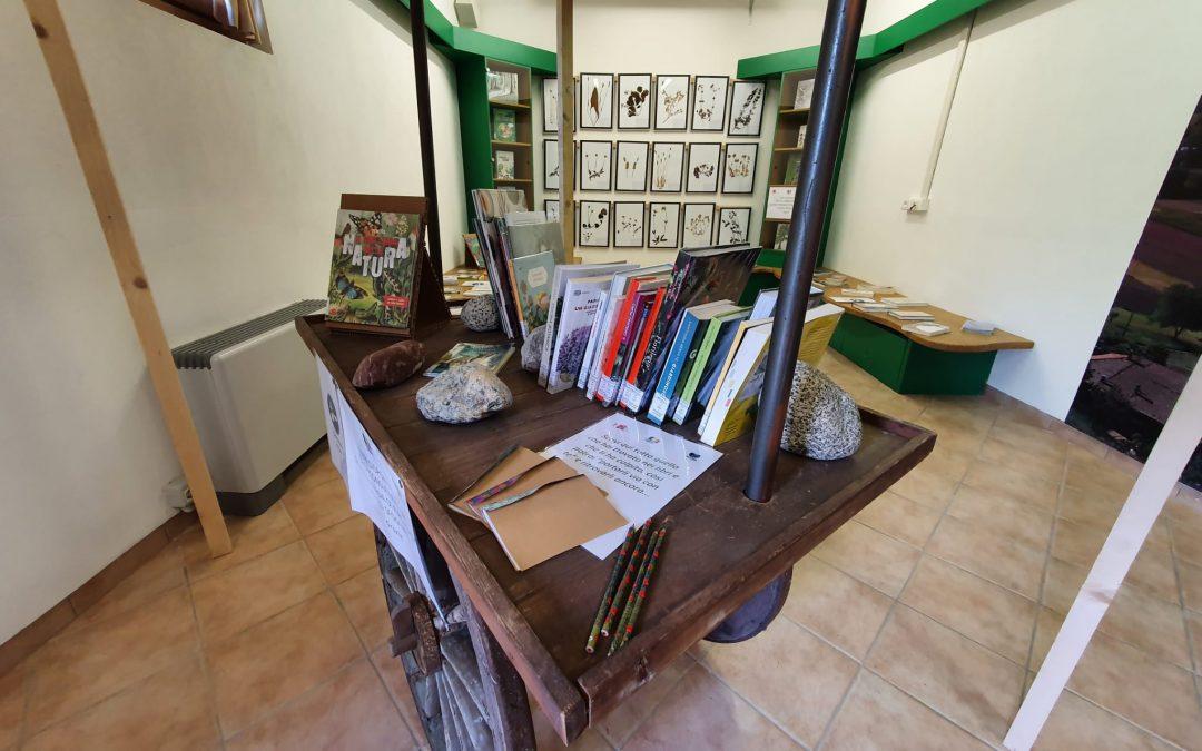 """""""Biblioteca fuori di sé"""": positivo il primo bilancio della collaborazione  fra la Biblioteca Giudicarie Esteriori e la Casa del Parco """"Flora"""" di Stenico"""